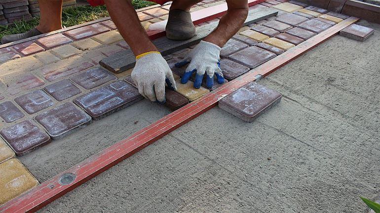 Укладка тротуарной плитки - пошаговая инструкция