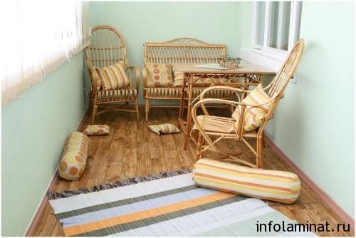 Преимущества и недостатки покрытия на балконе
